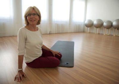 Training und Gymnastikübungen im Gruppenraum des med. Rücken-Centers