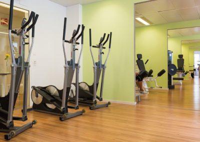 Crosstrainer zum aufwärmen vor dem Krafttraining oder für ein Ausdauertraining