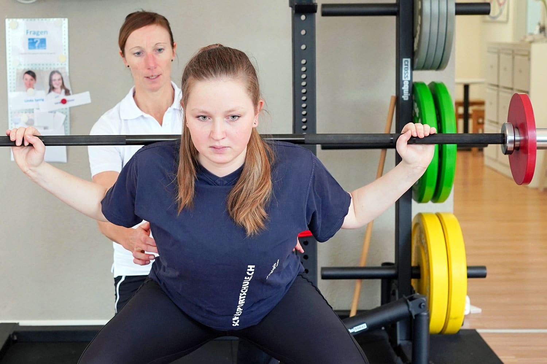 Rücken-Test. Analyse zu Kraft und Beweglichkeit